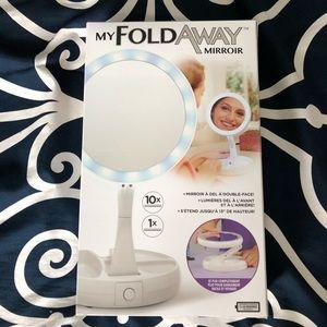 Light Up Fold Away Mirror